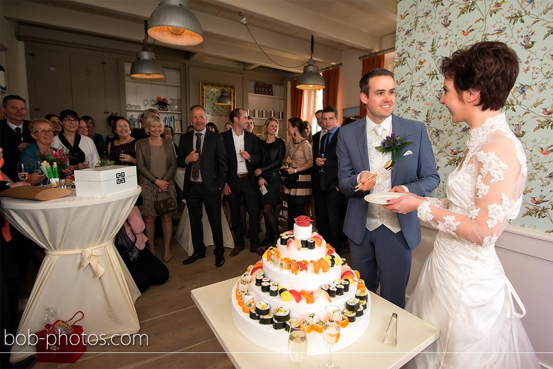 Bruidsfotografie bruidstaart sushi John en Hanneke 29