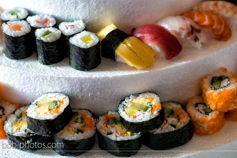 Bruidsfotografie bruidstaart sushi John en Hanneke 30