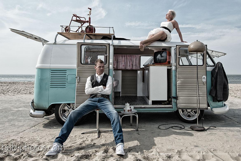 Volkswagen T1 retro Bruidsfotografie Renesse Philippe en Ineke 34