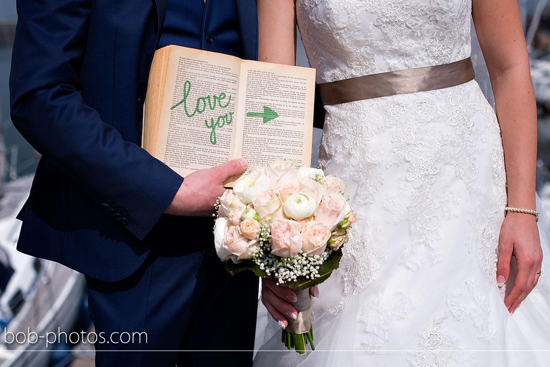 Bruidsboeket van den Berge Bruidsfotografie-Tholen-Nillis-&-Mirna-35