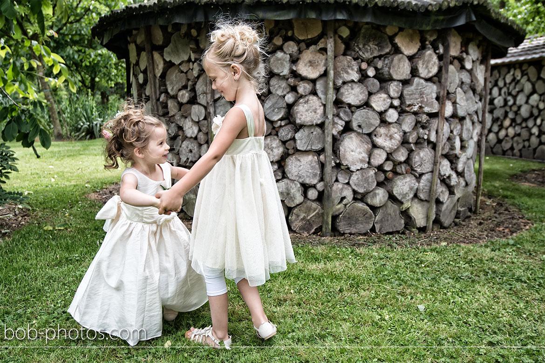 Dansende bruidsmeisjes