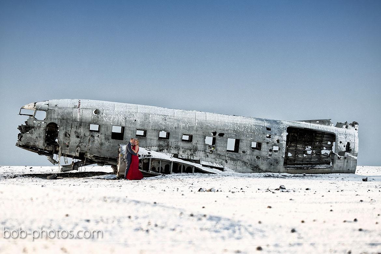Plane Wreck Loveshoot Iceland