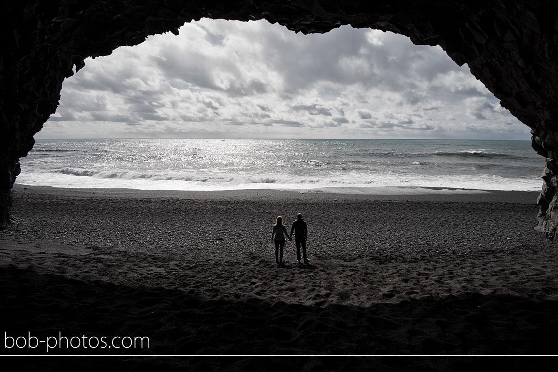 Grot Reynsifjara Strand Vik Loveshoot IJsland