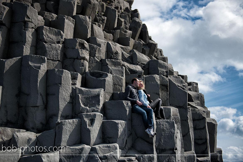 Reynisdrangar op reynisfjara strand Loveshoot IJsland